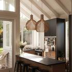Отлично смотрится кухня с темной мебелью, контрастными светлыми стенами и большой площадью остекления. (архитектура,дизайн,экстерьер,интерьер,дизайн интерьера,мебель,кухня,дизайн кухни,интерьер кухни,кухонная мебель,мебель для кухни,столовая,дизайн столовой,интерьер столовой,мебель для столовой,современный)