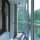 Узкий балкон полностью остеклен. (индустриальный,лофт,винтаж,стиль лофт,индустриальный стиль,квартиры,апартаменты,интерьер,дизайн интерьера,мебель,балкон,лоджия,дизайн лоджии,дизайн балкона,ремонт балкона,ремонт лоджии)