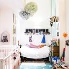 Детская небольшая, но благодаря высокому потолку и хорошей освещенности кажется больше. (индустриальный,лофт,винтаж,стиль лофт,индустриальный стиль,интерьер,дизайн интерьера,мебель,архитектура,дизайн,экстерьер,квартиры,апартаменты,детская,игровая,детская комната,детская спальня,дизайн детской,интерьер детской)