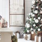 Елочка в корзинке или кадке выглядит приятнее и натуральнее, даже если она искусственная. (спальня,дизайн спальни,интерьер спальни,детская,игровая,детская комната,детская спальня,дизайн детской,интерьер детской,скандинавский,деревенский,сельский,кантри,сделай сам,самоделки, новый год, рождество, новогодний декор, рождественский декор)