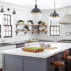 Дом является более современной версией традиционного сельского дома, поэтому имеет более открытую планировку в сравнении с традиционным домом 18-го века.