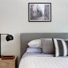 Спокойные оттенки и скандинавские принты на текстиле в спальне. (индустриальный,лофт,винтаж,стиль лофт,индустриальный стиль,квартиры,апартаменты,архитектура,дизайн,экстерьер,интерьер,дизайн интерьера,мебель)