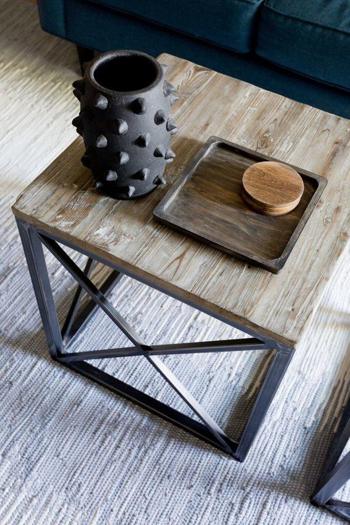 Сварной из профильной трубы журнальный столик в стиле лофт.