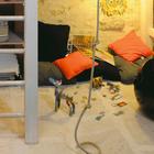 Пространство под кроватью используется для игр и учебы.