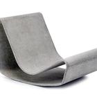 Современное бетонное кресло может служить ярким примером возможностей бетона как материала.