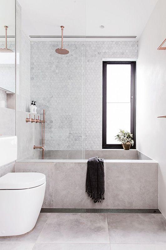 Довольно часто в современных ванных комнатах можно встретить бетонную ванну.