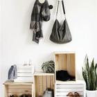 Такой шкафчик для обуви подойдет для прихожей как в стиле лофт, так и к скандинавскому стилю.