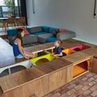 Конструкция шкафов позволяет хранить в них длинные предметы и спортивное снаряжение. (архитектура,дизайн,экстерьер,интерьер,дизайн интерьера,мебель,минимализм,современный,гостиная,дизайн гостиной,интерьер гостиной,мебель для гостиной)