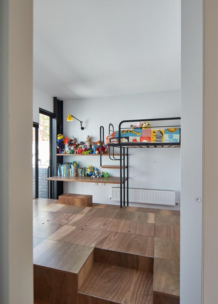 В полу детской также находятся шкафы