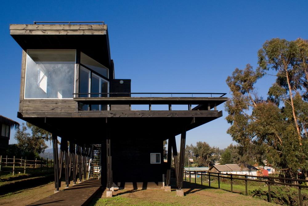 В будущем бассейн можно будет установить даже под домом - конструкция это позволяет