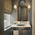 Римская штора в традиционной ванной комнате. (ванна,санузел,душ,туалет,дизайн ванной,интерьер ванной,сантехника,кафель,традиционный,интерьер,дизайн интерьера)