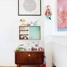 Винтажные элементы мебели отлично впишутся в скандинавский интерьер детской.