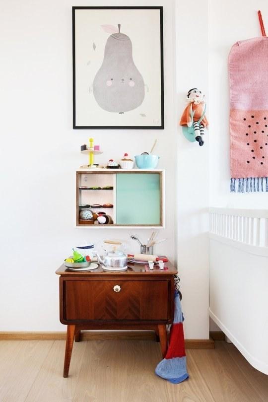 Винтажные элементы мебели отлично впишутся в скандинавский интерьер детской