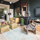 Масса винтажных элементов декора из разных эпох образуют индивидуальную атмосферу квартиры.
