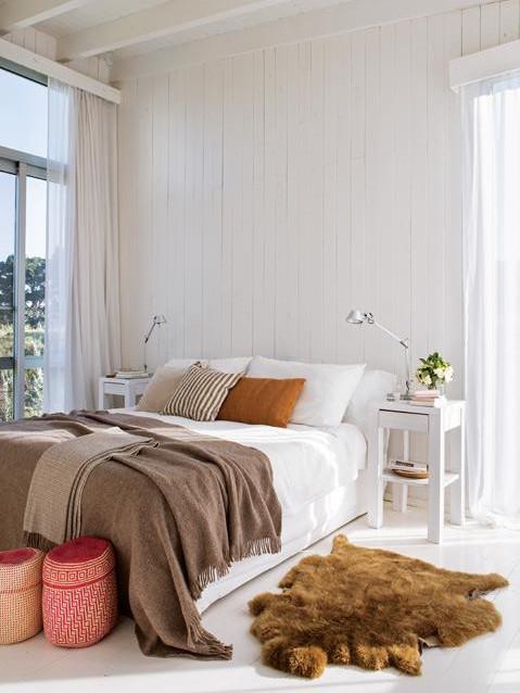 Вторая спальня также имеет выход на террасу.