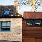 Контраст старого каменного строения и современной пристройки выполненной стиле лофт. (фасад,традиционный,индустриальный,лофт,винтаж,архитектура,дизайн,интерьер,экстерьер)