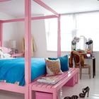 Дизайн спальни в розовом цвете для молодой женщины, трельяж тоже не будет лишним.