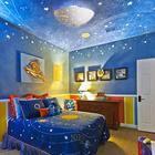 У каждого ребенка есть любимые мультики и будет хорошей идеей использовать тематику любимого мультика в оформлении детской комнаты мальчика. В данном случае это тема космоса и мультика