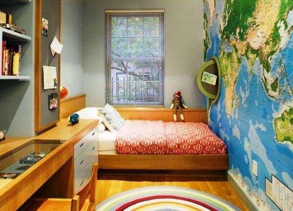 Фотообои - карта мира не только украсят стену детской, но и покажут ребенку на сколько велик мир.