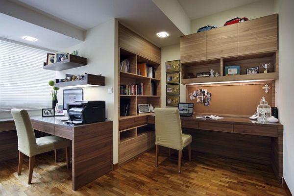 Вполне взрослый домашний офис для школьника с оргтехникой.