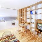В небольших квартирах очень удобно объединить кухню, столовую и гостиную в одно помещение, таким образом можно сэкономить много места.