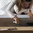 Полочки в изголовье кровати позволяют хранить множество мелочей, например книги. (спальня,дизайн спальни,интерьер спальни,фото спальни,мебель для спальни,кровать,интерьер,дизайн интерьера,мебель,хранение,гардероб,шкаф,комод,минимализм)