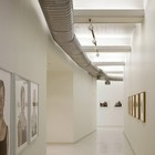 Художественная галерея на верхнем уровне дома. (индустриальный,лофт,винтаж,стиль лофт,индустриальный стиль,минимализм,архитектура,дизайн,экстерьер,интерьер,дизайн интерьера,мебель,квартиры,апартаменты)