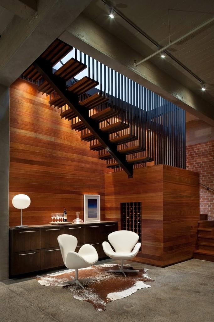 Выход на крышу в квартире-лофте на верхнем этаже.