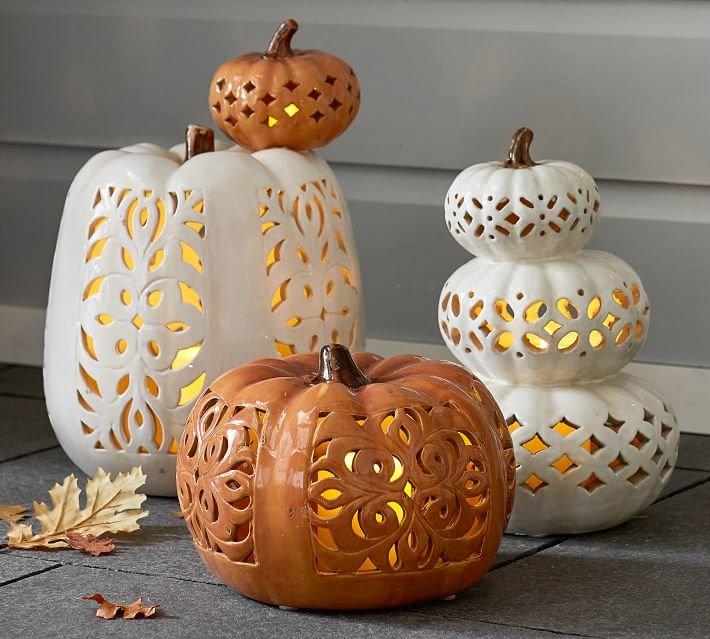 Фарфоровые фонари Джека прослужат прекрасным украшением не один год. При этом ничего не придется вырезать.