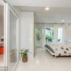 Спальня на первом этаже с выходом на собственную террасу.