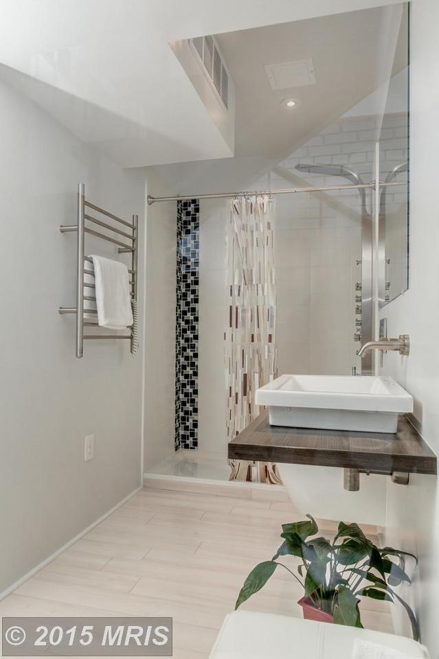 Ванна на первом этаже.