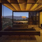 Терраса рядом с гостиной в вечернее время превращается в весьма романтичное место.