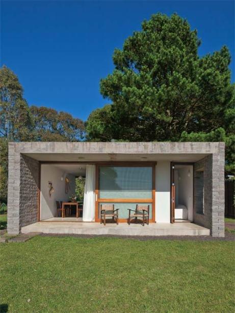 Дом спроектирован и построен таким образом, что свет и ветер свободно проходят дом насквозь