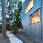 Фасад, дорожка к входу (лестница,спальня,жилая комната,фасад,минимализм,современный,архитектура,дизайн,интерьер,экстерьер,маленький дом)
