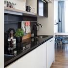 Варианты планировок номеров отличаются в зависимости от размеров номера, комплектация и дизайн кухонь также отличаются. (кухня,современный,мебель,архитектура,дизайн,интерьер,экстерьер)