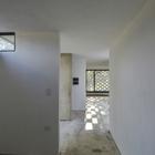 Естественным освещением освещаются все помеения включая коридор. (ванна,санузел,душ,туалет,вход,прихожая,архитектура,дизайн,интерьер,экстерьер,1950-70е,современный)
