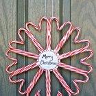 Рождественский венок из конфет. (новый год,рождество,елка,подарки,декор,елочные игрушки,хвоя,гирлянды,конфети,сделай сам,самоделки)