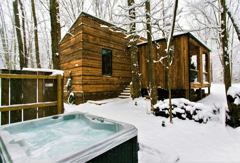 Особое удовольствие - это теплый бассейн зимой.