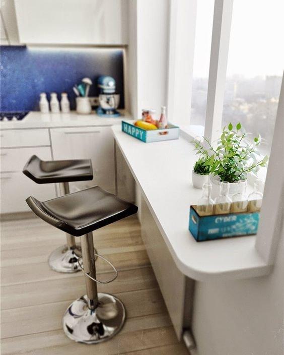 Как сделать из подоконника рабочий стол на кухне?