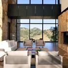 Архитекторы максимально использовали расположение отельного комплекса максимально увеличив площади остекления.
