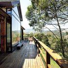 Широкие балконы и террасы способствуют единению отдыхающий с природой.