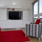 Жилая зона с медиа центром (гостинная,жилая комната,минимализм,современный,мебель,маленький дом)