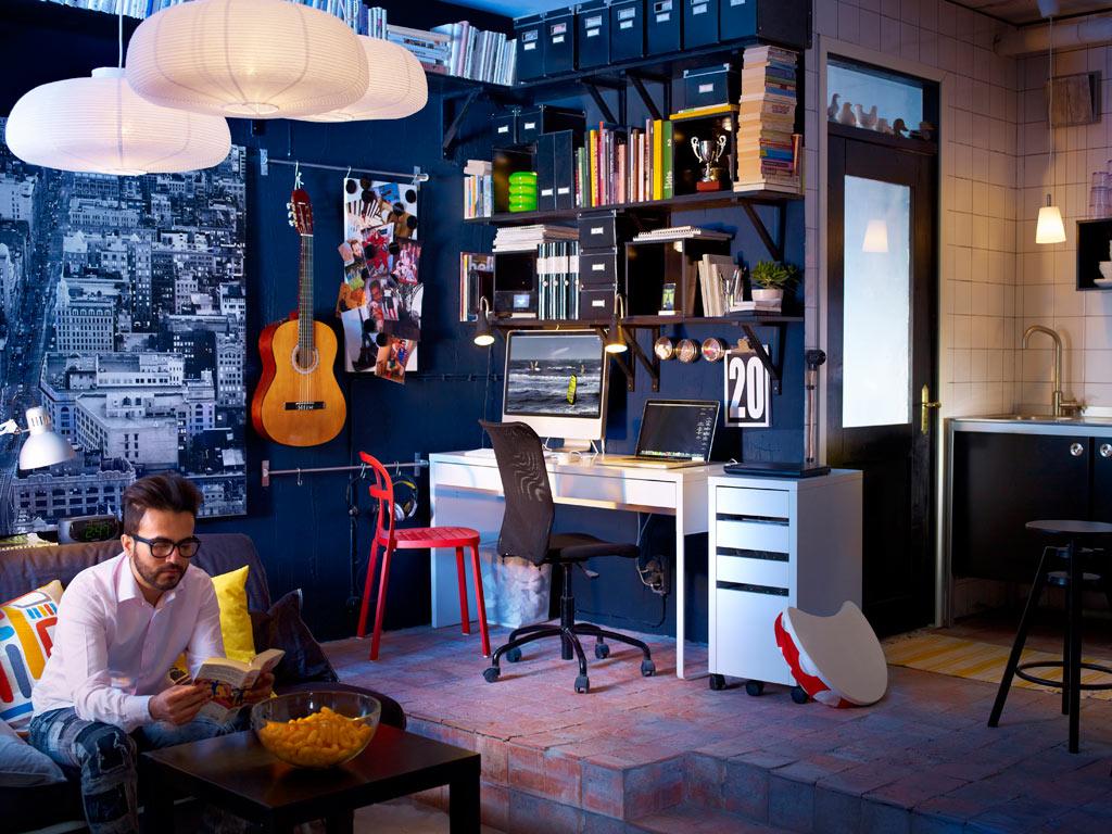 Компактному домашнему офису всегда найдется место.