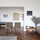 Мебель середины 20-го века отличается своеобразной легкостью дизайна. (гостинная,1950-70е,мебель,архитектура,дизайн,интерьер,экстерьер)