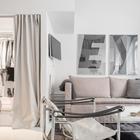 Вместительный гардероб закрывается шторой, которая более компактна чем дверь. (хранение,гардероб,шкаф,комод,мебель,гостиная,скандинавский,архитектура,дизайн,интерьер,экстерьер,квартиры,апартаменты)